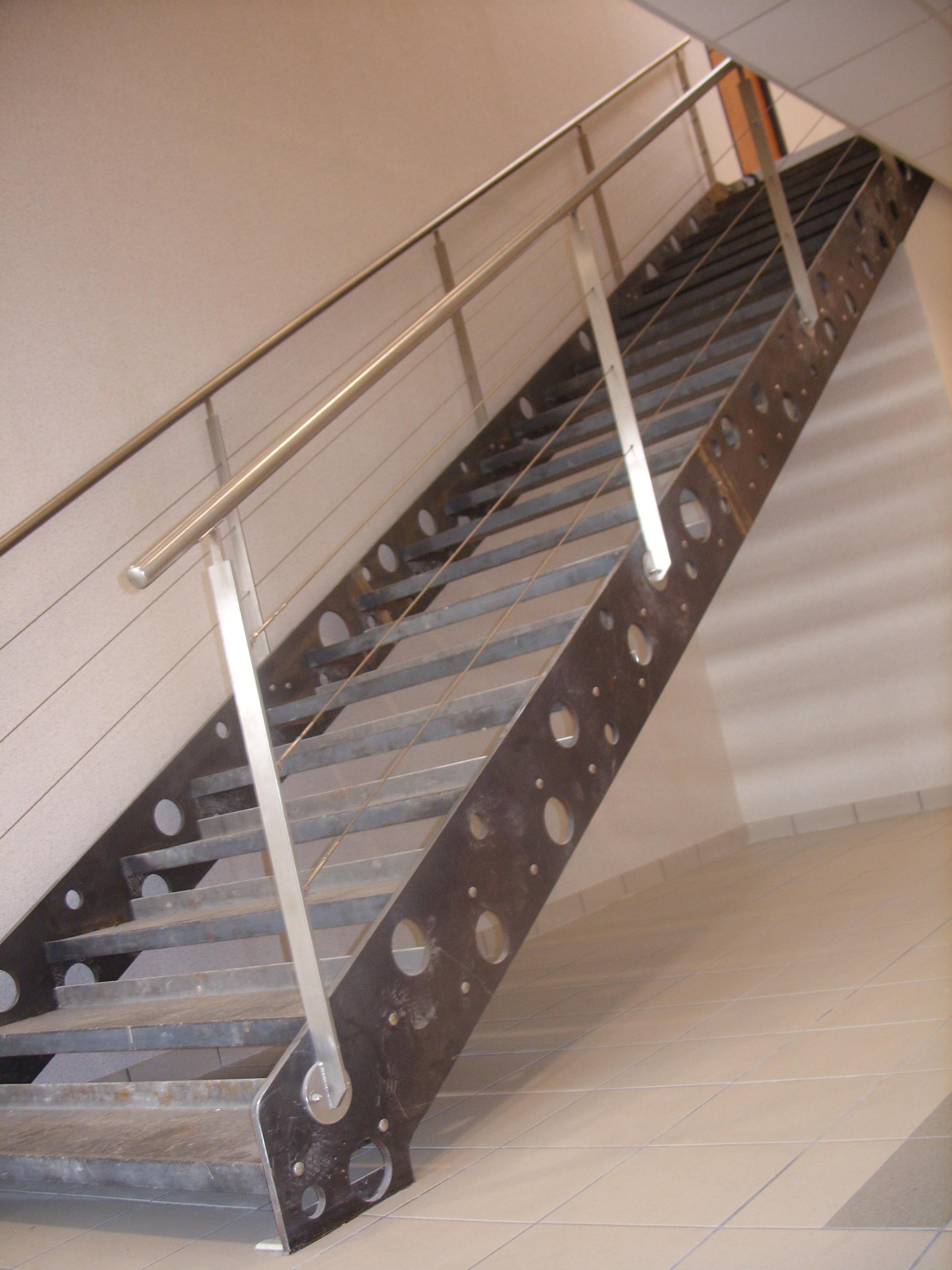 Escalier Acier Brut réalisations - robichon metallerie
